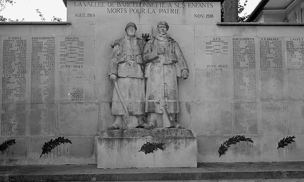 monument_aux_morts3_is
